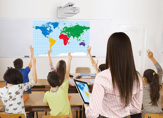 Casio Laser LED Hybrid Projektoren für den Einsatz in der Schule